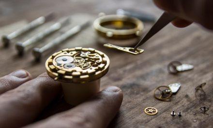 Guide : Présentation des outils d'horlogerie indispensables à un horloger amateur ou professionnel